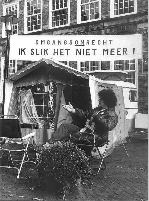 hongerstaking van Joep Zander in 1995 voor het kantongerecht op de Brink in Deventer