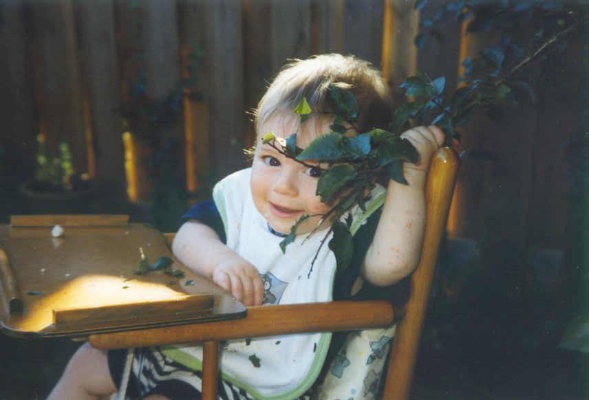 Joshua bijna een jaar oud; klik hier voor meer informatie